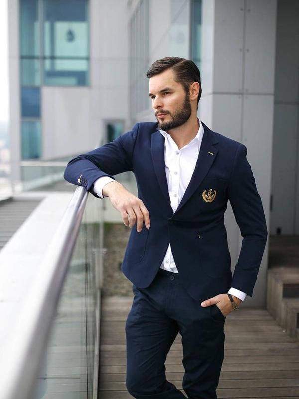 Stylizace č.278 - náramek, elegantní sako, košile s dlouhým rukávem, chino kalhoty